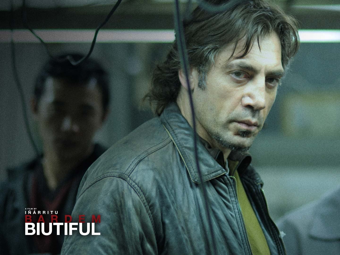 Biutiful Wallpaper download - movie director Alejandro Gonzalez Inarritu behind the scenes during the filming of his latest film staring Javier Bardem.